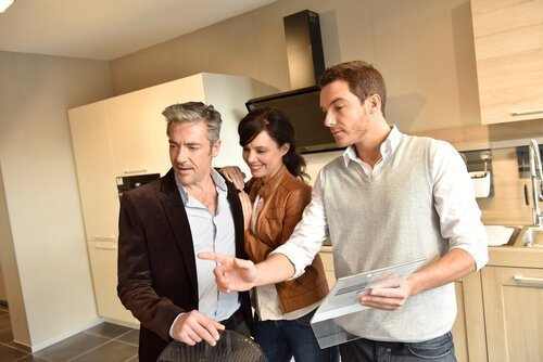 The Importance of the Consultative Experience with Remodeling Contractors in Phoenix
